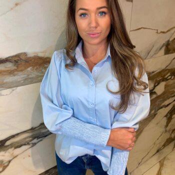 Baby blauwe blouse