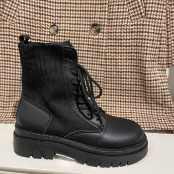 Mandy boots black